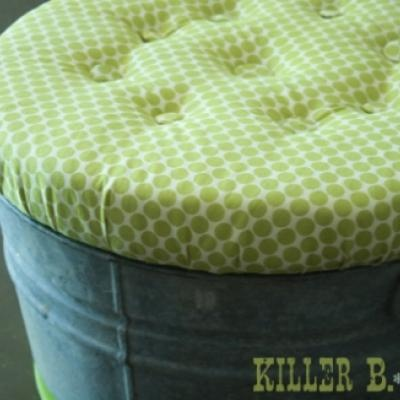 Bucket Ottoman Tutorial: Outdoor Seats, Outdoor Fabrics, Toys Boxes, Galvanized Buckets, Galvanized Tubs, Cute Ideas, Buckets Seats, Buckets Ottomans, Toys Storage