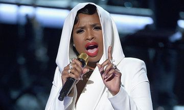 Jennifer Hudson Brings Down The House With Prince Tribute At BET Awards in 2016