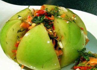 Как вкусно замариновать зеленые помидоры с чесночком