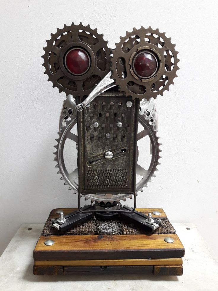 Owl with red eyes from bike parts