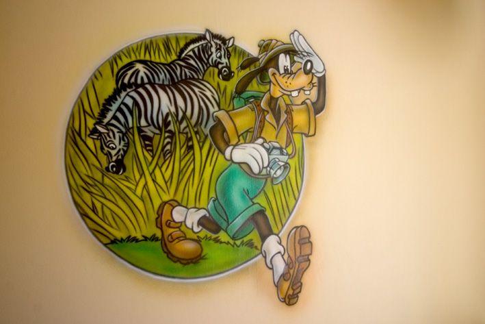 Goofy op safari muurschildering