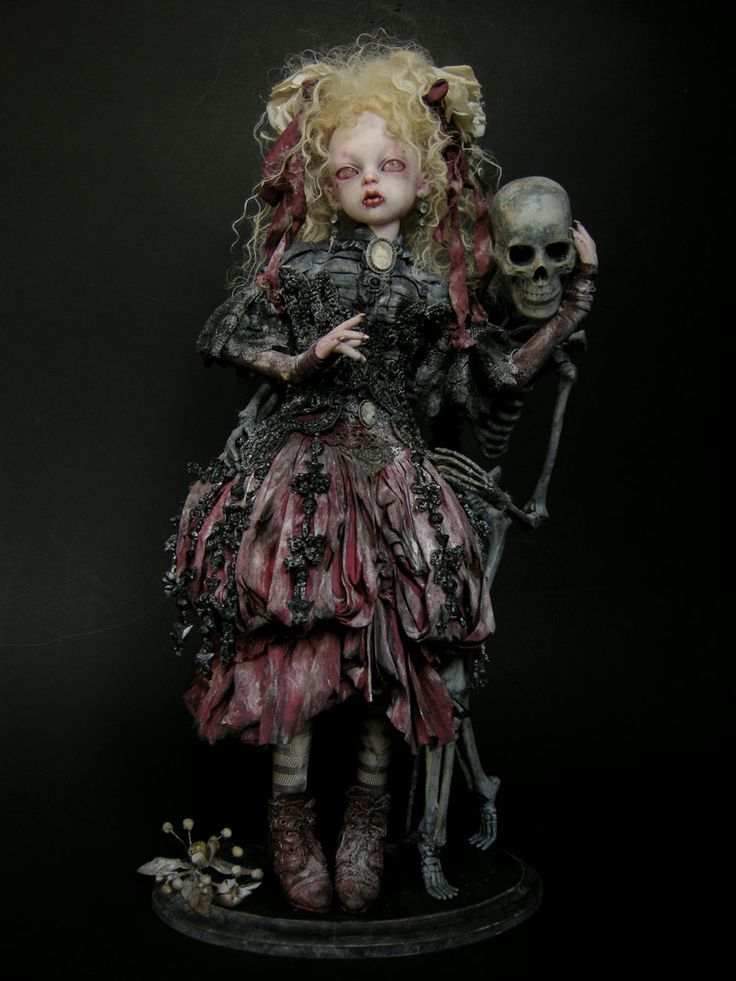 I love this one #creepy_doll with #skeleton