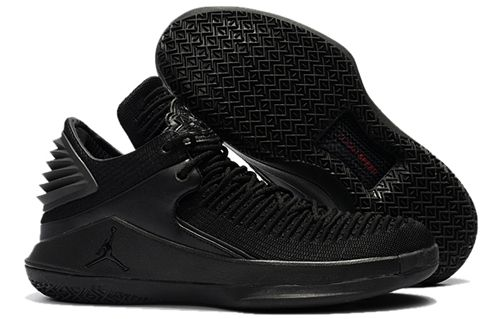 3b384dd01eafed Jordan 32 basketball shoes low help one to one Black cat