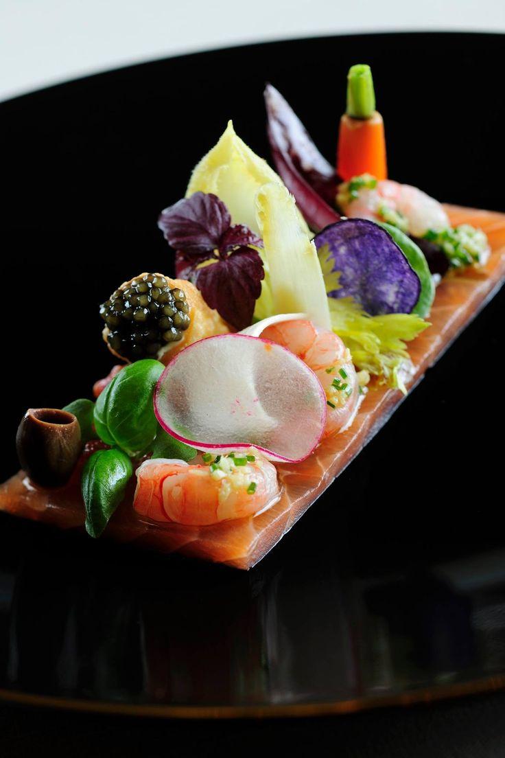 Enjoy Italian flair and an award-winning culinary experience at #Armani Ristorante Dubai #plating #presentation
