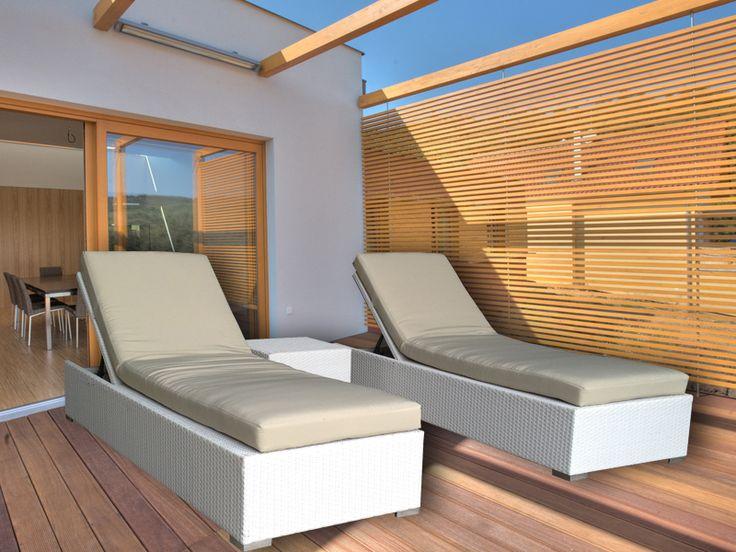 White Suntra Wicker Outdoor Sun Beds 3 Piece