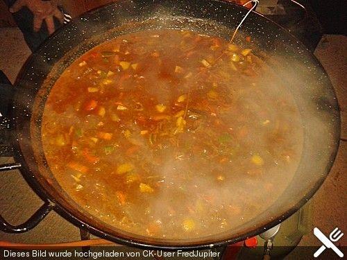 Gulaschsuppe im Kessel oder Topf, ein tolles Rezept aus der Kategorie Kochen. Bewertungen: 4. Durchschnitt: Ø 4,2.
