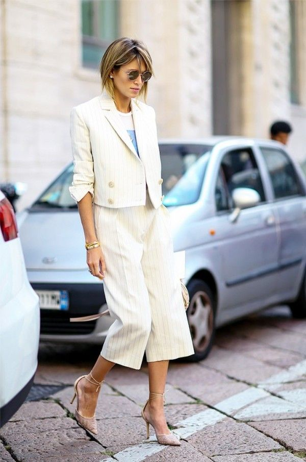ガウチョに合わせたピンストライプの短めジャケット☆ トレンド感のあるスーツジャケットの人気コーデ一覧。デイリーファッションの参考に。