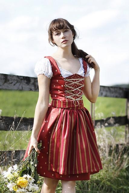 german-dirndl-dress
