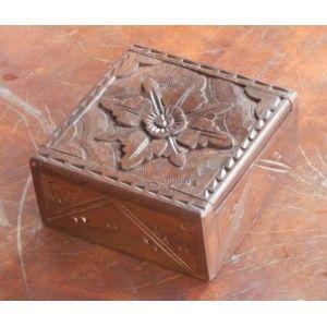 Kotak Perhiasan Ukiran Bunga Kembang Sepatu - Kotak Perhiasan Ukiran Bunga Kembang Sepatu