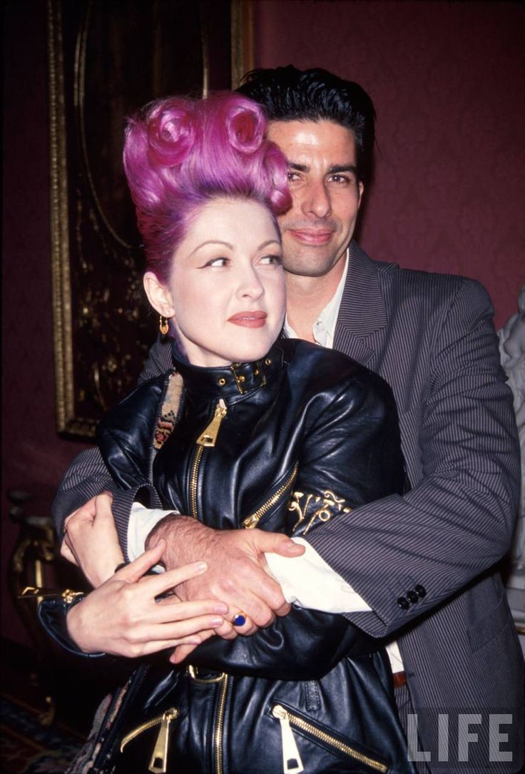 Cyndi Lauper and her husband David Thornton. Awww! Relationship GOALS!