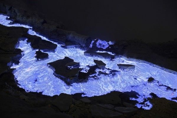 Stunning ElectricBlue Flames Erupt From Volcanoes Tenerife - Incredible neon blue lava flames erupt volcano