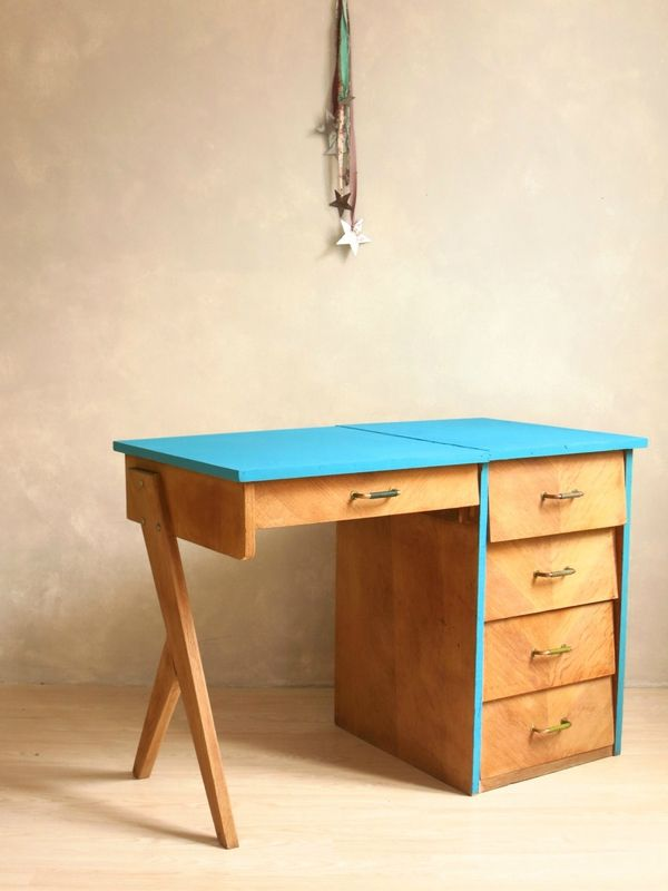 pied de bureau lampe de bureau sur pied maison design repose pied bureau ergonomique 28 images. Black Bedroom Furniture Sets. Home Design Ideas