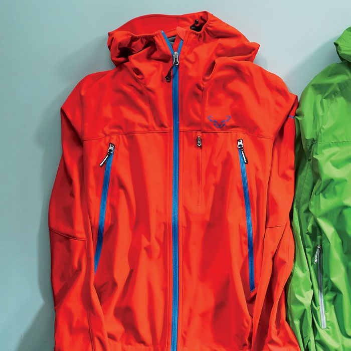 Winter Jackets and Coats Designed to help you keep pushing your limits when temperatures plummet, our rain jackets feature many different warmth-to-weight ratios and heat-retaining capabilities. Get superior heat retention with goose down thermal insulation and bungee-cord-cinch waists for additional warmth when you need it most.