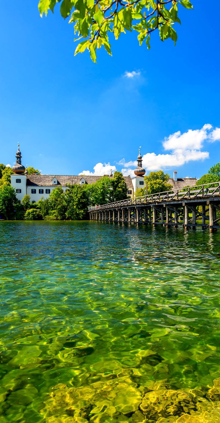 Amazing Traunsee castle, Gmunden, Upper Austria    |    30+ Truly Charming Places To See in Austria