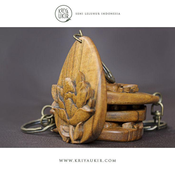 Souvenir Kerajinan Gantungan Kunci Kayu Kriya Ukir Jepara Indonesia
