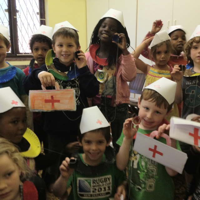 For our People who help us theme we made stethoscopes from paper plates and egg cups, medical bags with paper instruments and nurse hats. Was great for learning the names of medical instruments and who doesn't love the chance to play dress up!