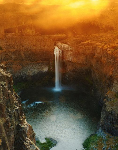 .Favorite Places, Palouse Fall, Beautiful Waterfall, Beautiful Places, Washington States, Places I D, Travel, Water Fall, Geography Class