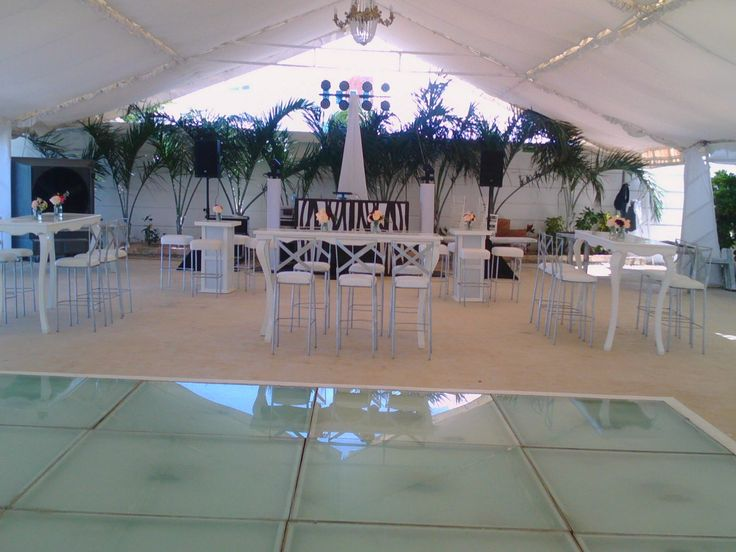 Centros de mesa para mesas periqueras #floreriasencancun #floreriazazil #bodascancun #eventoscancun
