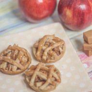 12 Heavenly Fruit Pies + A Mini Salted Caramel Apple Pie Recipe