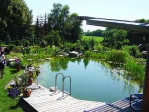 72 best images about acreage landscaping ideas on for Garden pool doomsday preppers
