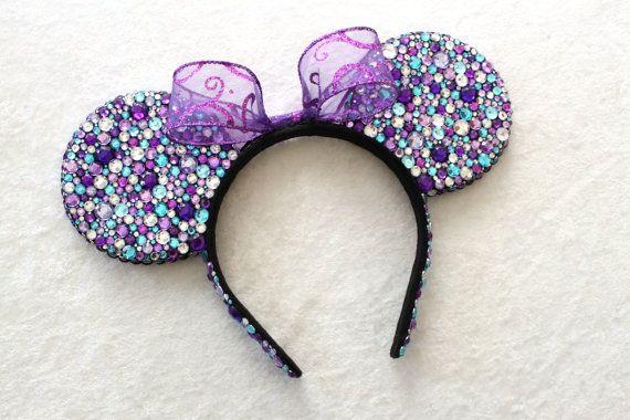 Rhinestone Minnie Mouse Ears. Yup, I will be making my own sometime soon! <3