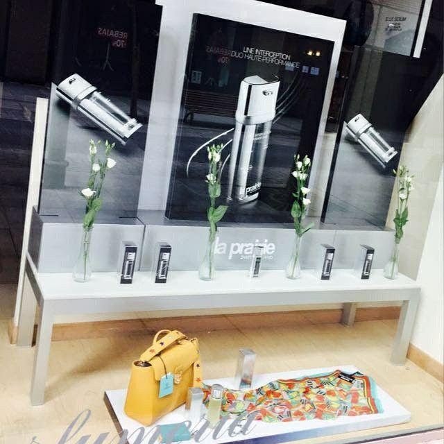 Escaparate Sidonia presentación en Valladolid de la nueva Line Interception Power Duo de LA PRAIRIE.  ➡ Un futuro sin arrugas ⬅  #LaPrairie #lineinterceptionpowerduo #belleza #cosmetica #tratamientosbelleza #stoparrugas #mujer #cosmetic #skin #lujo