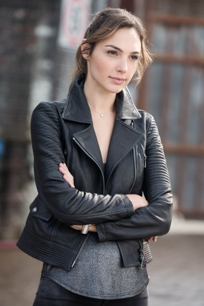burberry brit edgewick leather motorcycle jacket on gal gadot gal gadot the moto jacket. Black Bedroom Furniture Sets. Home Design Ideas