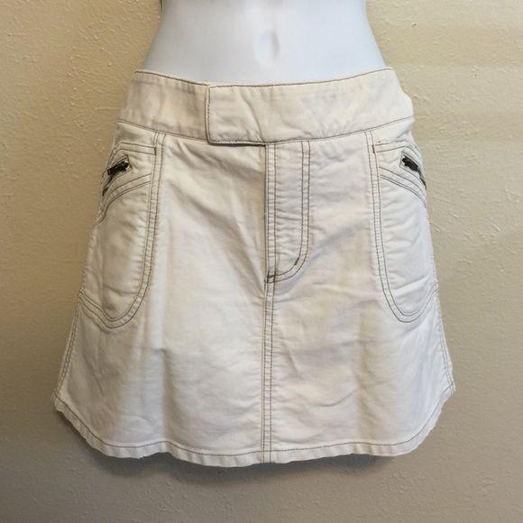 AE off white mini skirt Cute! American Eagle Outfitters Skirts Mini