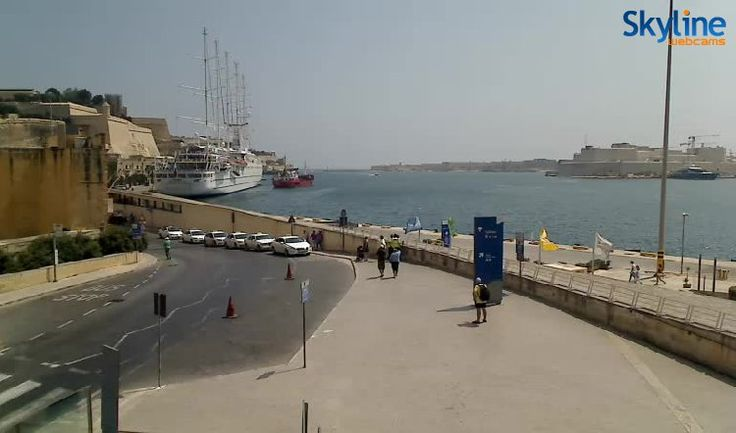 Live Cam The Grand Harbour and Valletta