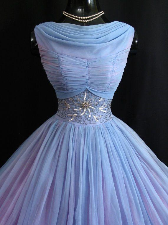 Jahrgang 1950 50er Jahre Baby Blau geraffte von VintageVortex