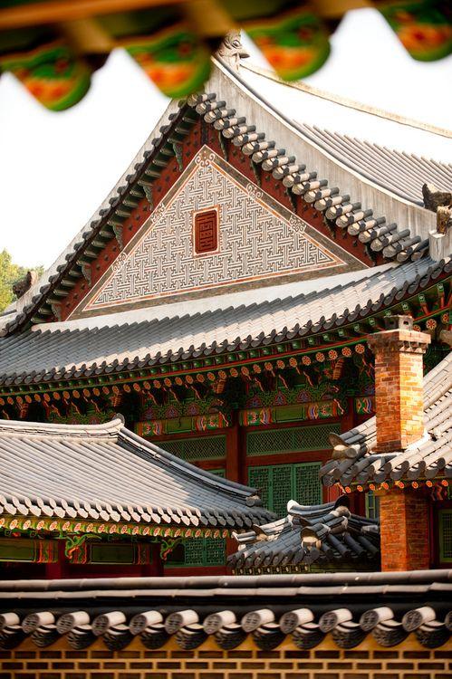Inside Changdeokgung #southkorea #korea