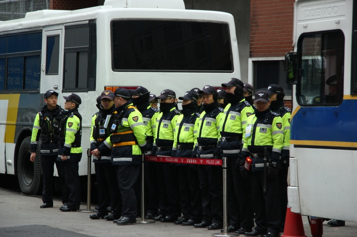 #PotentialistCanada - Trip Purpose 3: Working for women's empowerment - Riot police guarding the Japanese embassy (Demonstration by survivors of sexual slavery, South Korea)
