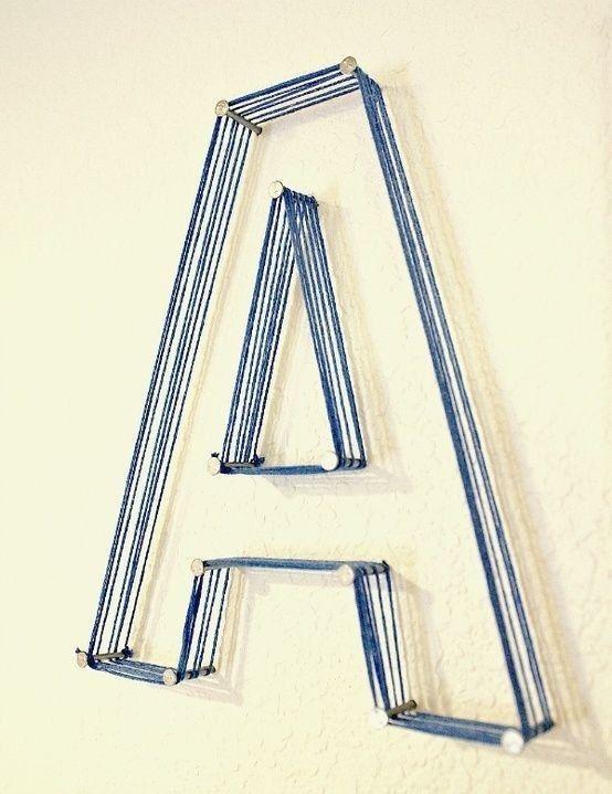 E que tal uma letra gigante de barbante? | 26 formas de revolucionar sua decoração usando prego, cola ou fita