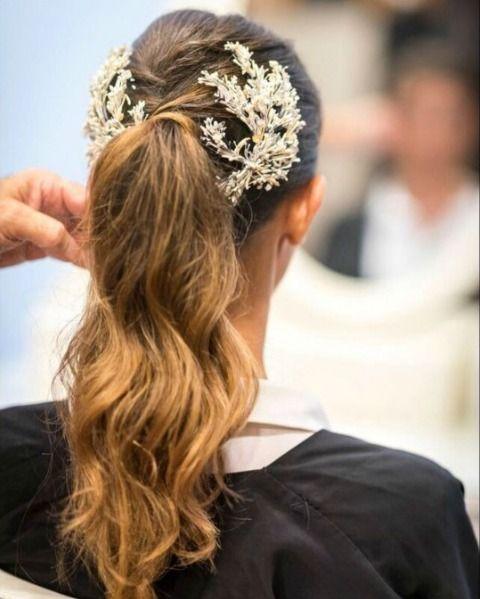 Peinado de novia por peluqueria suarez, tocado suma cruz oficial