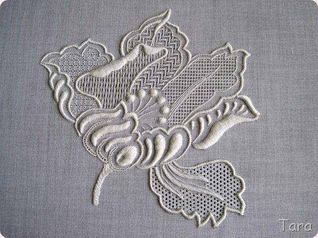 Tara's worlds: вышивка |One flower two ways- white work