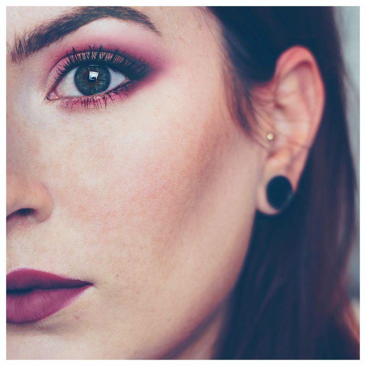 Face – @ctilburymakeup magic foundation, @urbandecay Naked Skin concealer, @beccacosmetics x Chrissy Teign palette Brows – @benefituk Brow Zings and Gimme Brow Eyes – @ABHcosmetics Modern Renaissance palette, @lorealparisuk Miss Manga Punky mascara Lips – @maccosmetics lipstick in Rebel
