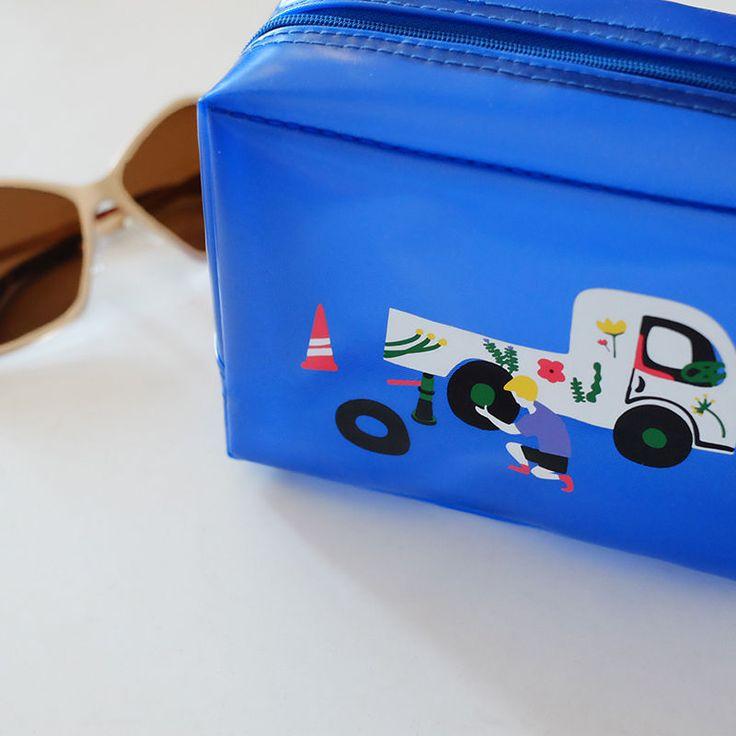 KIITOS - Printed Cosmetic Bag - $11.31