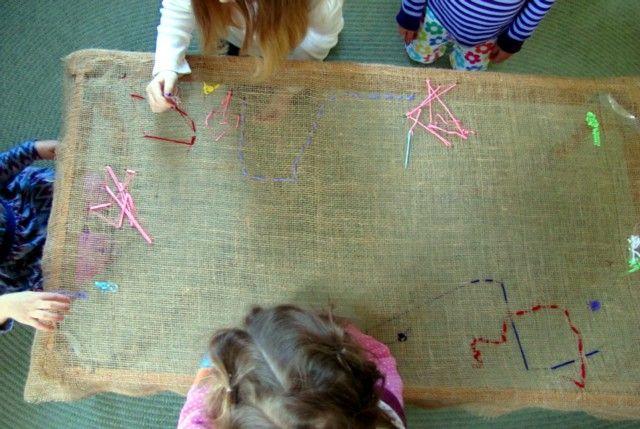 original #mesa para que los niños aprendan a #bordar