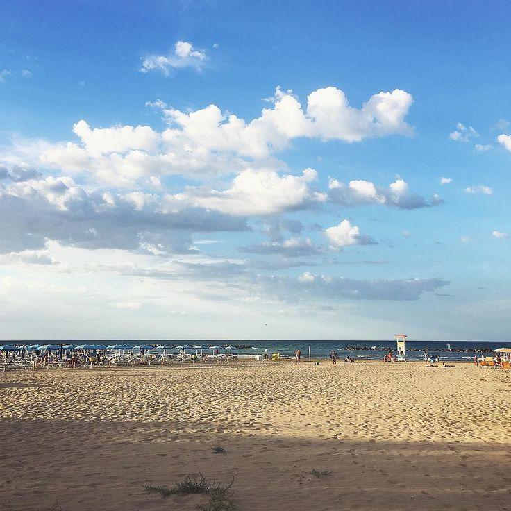 #r Il bello ovunque.. .  #summer2017 #summerbreak #goodfriends #goodfeeling #picoftheday #bestoftheday #nature #naturelovers #beach