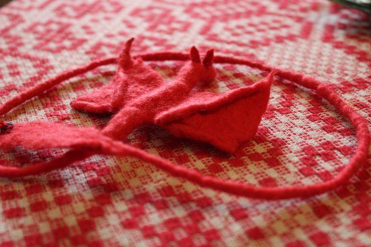 A nemezelés örömei 2. Vörös nemez sárkány/ Felted Red Dragon