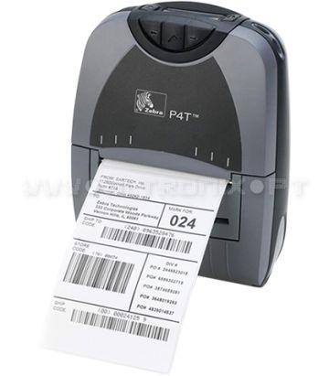 Impressora Portátil P4T A Zebra P4T é uma Impressora portátil ideal para impressão de etiquetas de grande resistência .  A P4T é a primeira impressora portátil da Zebra que apresenta a possibilidade de optar por duas tecnologias de impressão: térmica directa ou Transferência térmica. Este equipamento permite o uso de etiquetas de grande resistência de uma forma portátil, e adequa-se facilmente a diferentes ambientes de trabalho.