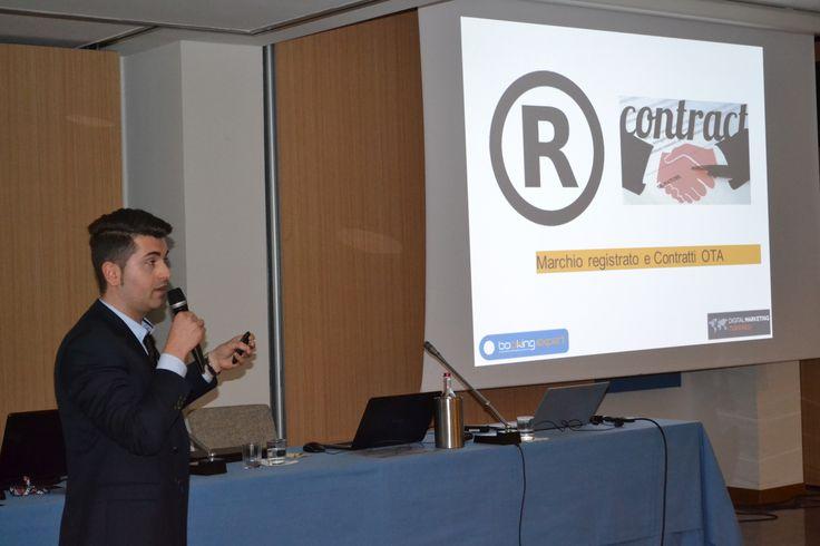 Marcello Dell'Adamino presentando le migliori strategie per disintermediare dalle #OTA #hotel #webmarketing #turismo  Digital Marketing Turistico