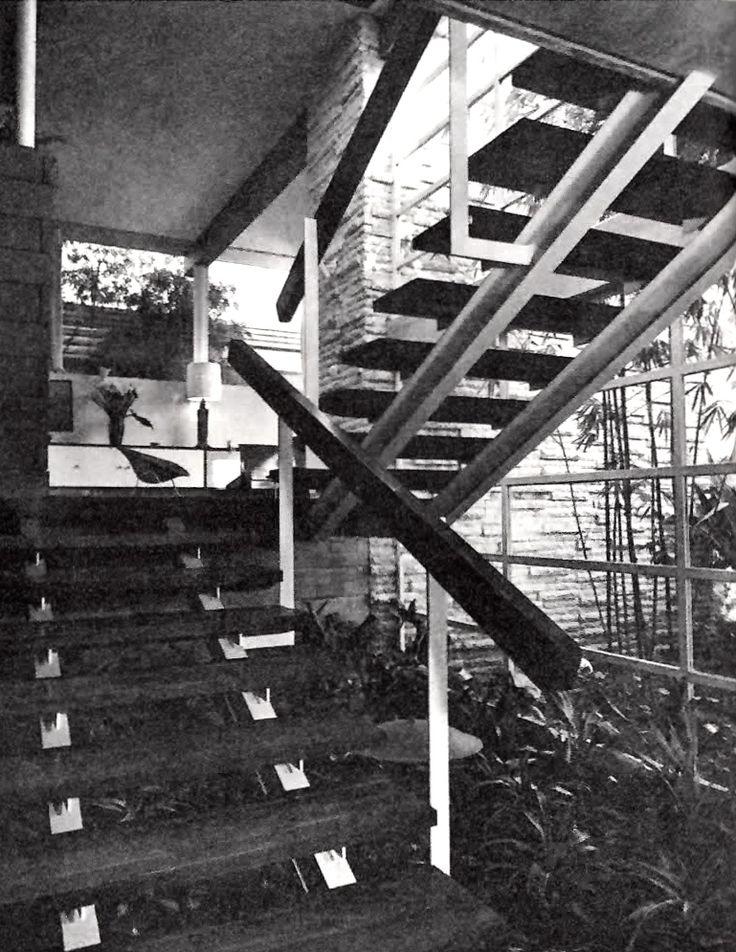 Escaleras principales de la entrada casa cervantes calle - Escaleras para jardin ...