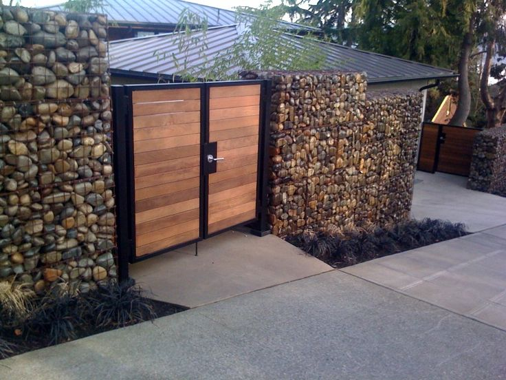 Gabion walls by Darwin Webb Landscape Architects