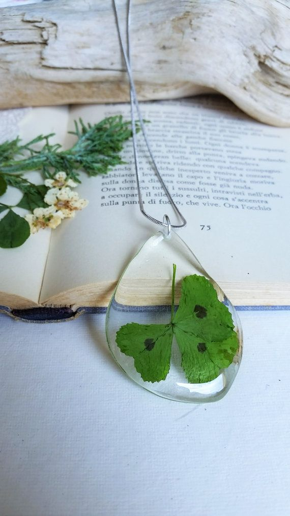 Real Clover Lucky Plant Healing Green Pendant by AGNESMISTRAL