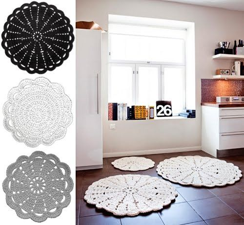 giant doily crochet rug. I am going to make this for our current house! I was just saying we needed a rug in here!