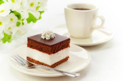 Nie ma nic lepszego niż kawałek czekoladowego tortu w akompaniamencie aromatycznej kawy... :)