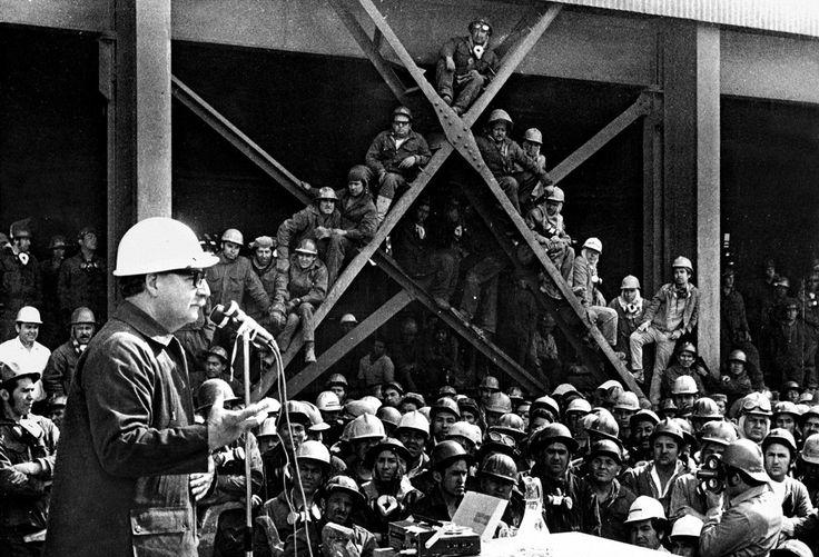 En 1908 nace Salvador Allende, presidente de Chile entre 1970 y 1973 derrocado por un golpe de Estado.