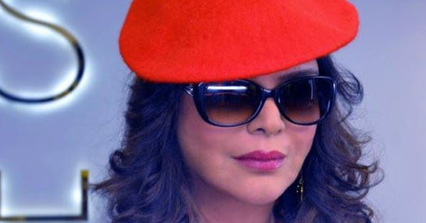 One of the hottest actresses to ever grace the Indian silver screen Zeenat Aman has spent the last decade or so in much quieter and private life. But the yesteryear glamour queen is back for one more tryst with stardom. The veteran actress is set to feature in a new web series called Love Life and Screw Ups. Reportedly the 65-year-old Zeenat Aman will play a spinster in the web series. Her character Joana prefers to spend time with younger people while dealing with her own set of problems…