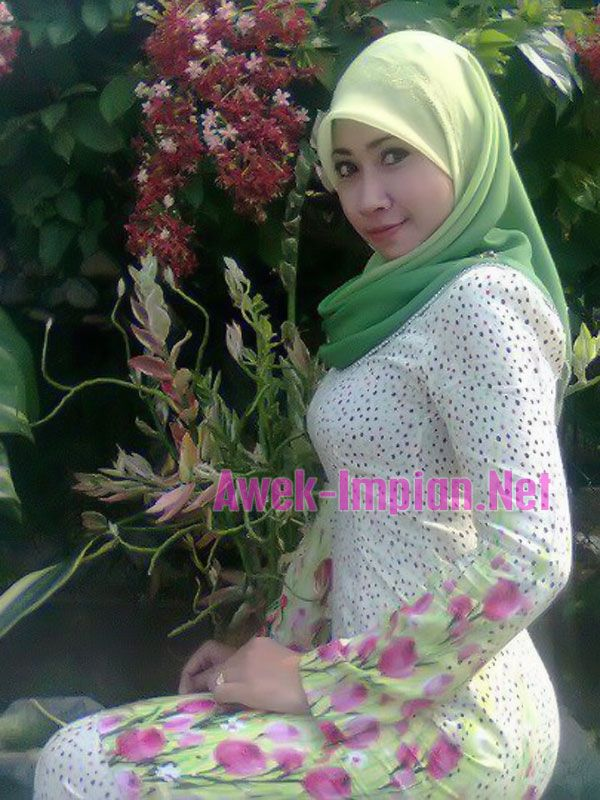 Gadis melayu hijab - 3 3